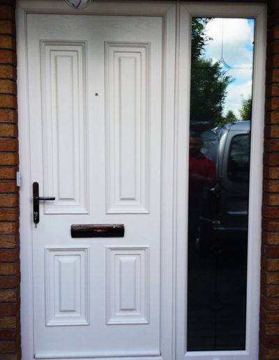 Palladio Palermo solid door with sidelight in Cream