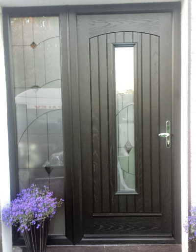 Palladio Seville door with 1 sidelight in Black