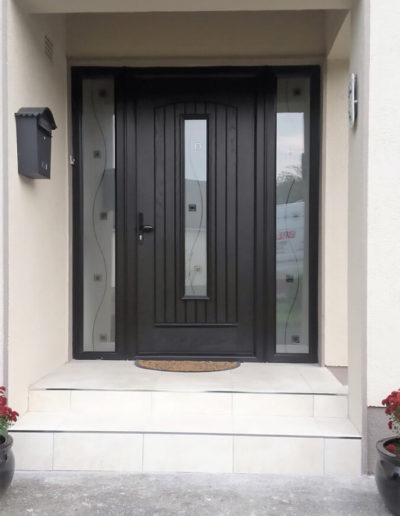 Palladio Seville door with 2 sidelights in Black