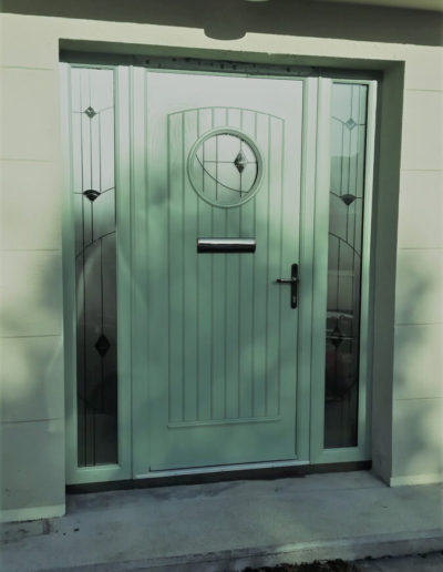 Palladio Viking door with sidelights in Chartwell Green