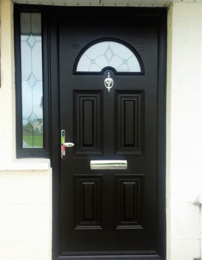 Palladio sunbeam 1 with half sidelight in Black